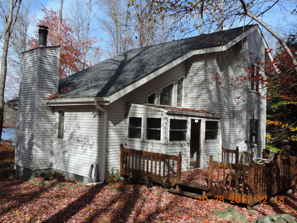 93 Lake Drive East, Gouldsboro, PA 18424