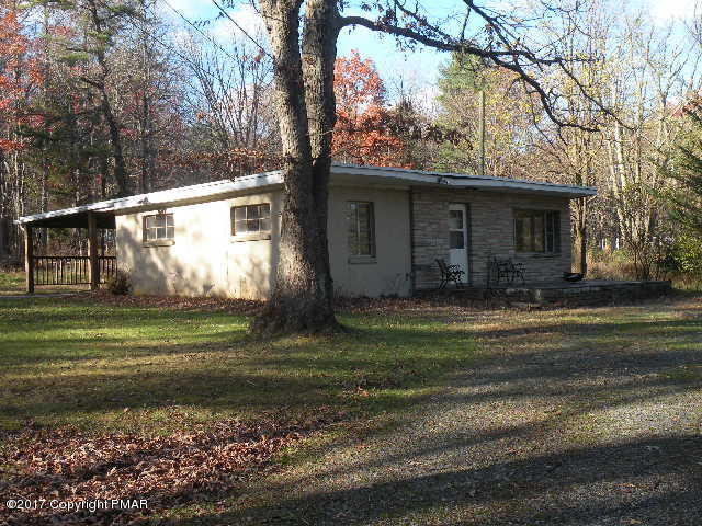 1209 Lakeside Dr, Effort, PA 18330