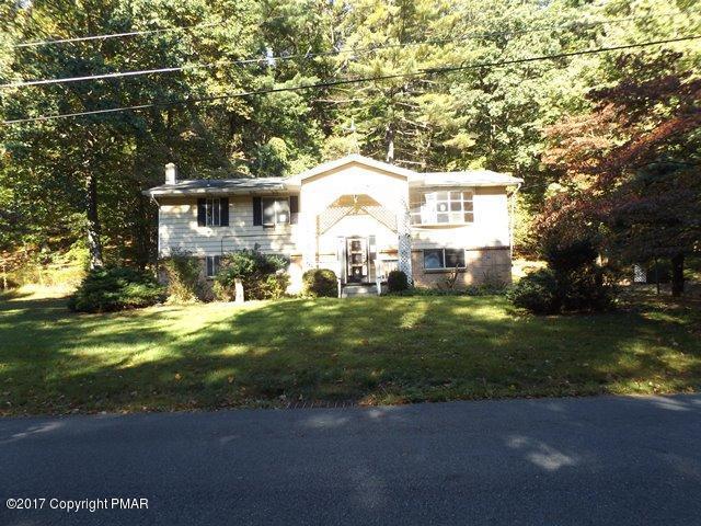 806 Wedgewood Lake Dr, Stroudsburg, PA 18360