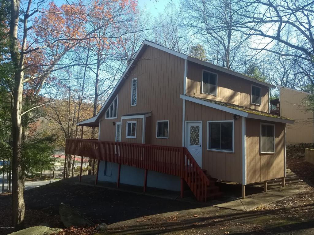 5721 Decker Rd, Bushkill, PA 18324