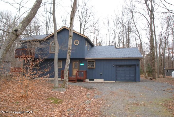 577 Maxatawny Dr, Pocono Lake, PA 18347