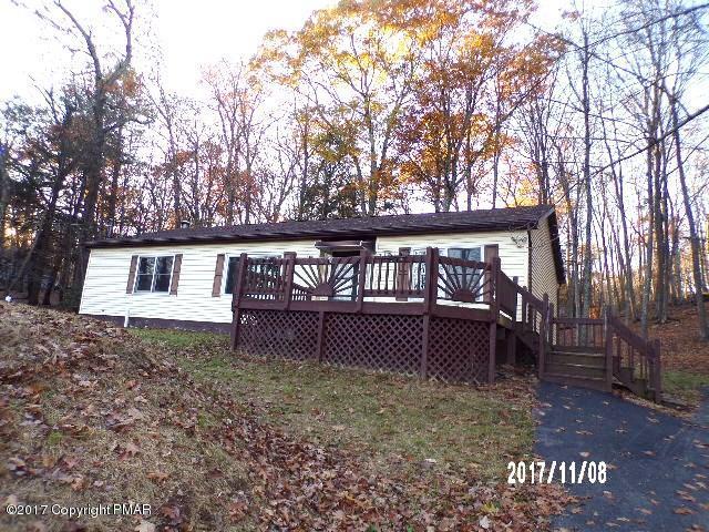 1114 Valleyview Cir, Bushkill, PA 18324