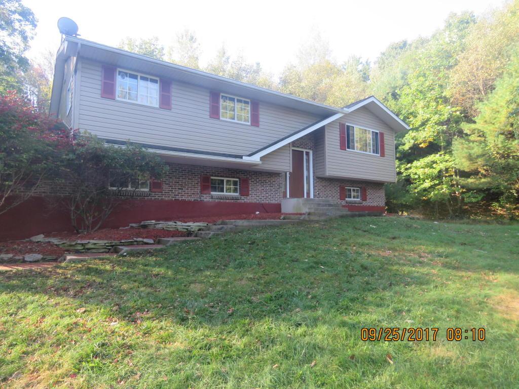 1506 Brislin Rd, Stroudsburg, PA 18360
