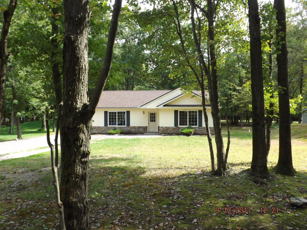 32 Wintergreen Trl, Albrightsville, PA 18210
