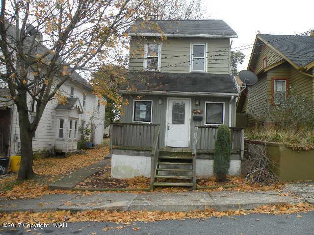230 Chestnut St, Bangor, PA 18013