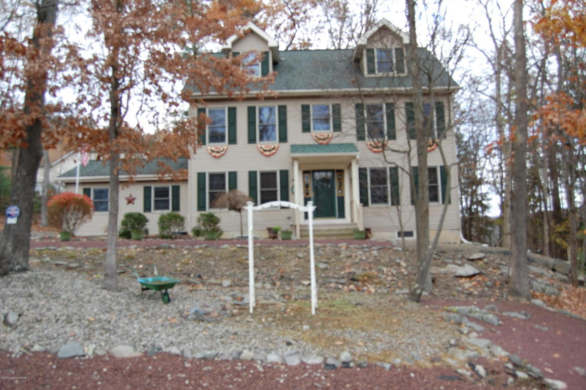 3204 Blue Mountain Lake Dr, East Stroudsburg, PA 18301