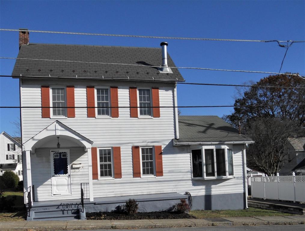 11 Arch St, Pen Argyl, PA 18072