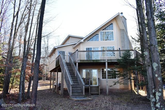 1185 Arrowhead Dr, Pocono Lake, PA 18347