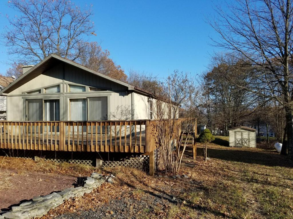 2187 Valley View Dr, Bushkill, PA 18324