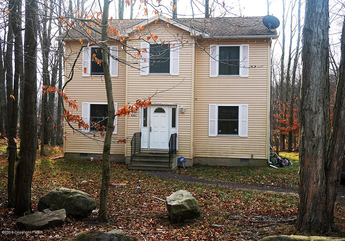 7722 W Country Pl, Tobyhanna, PA 18466