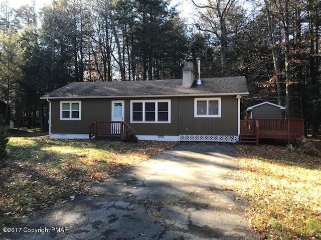 25 Wychewood Rd, Albrightsville, PA 18210