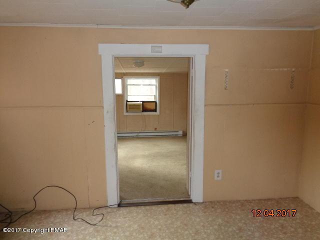 139 Sandra Ct, East Stroudsburg, PA 18302