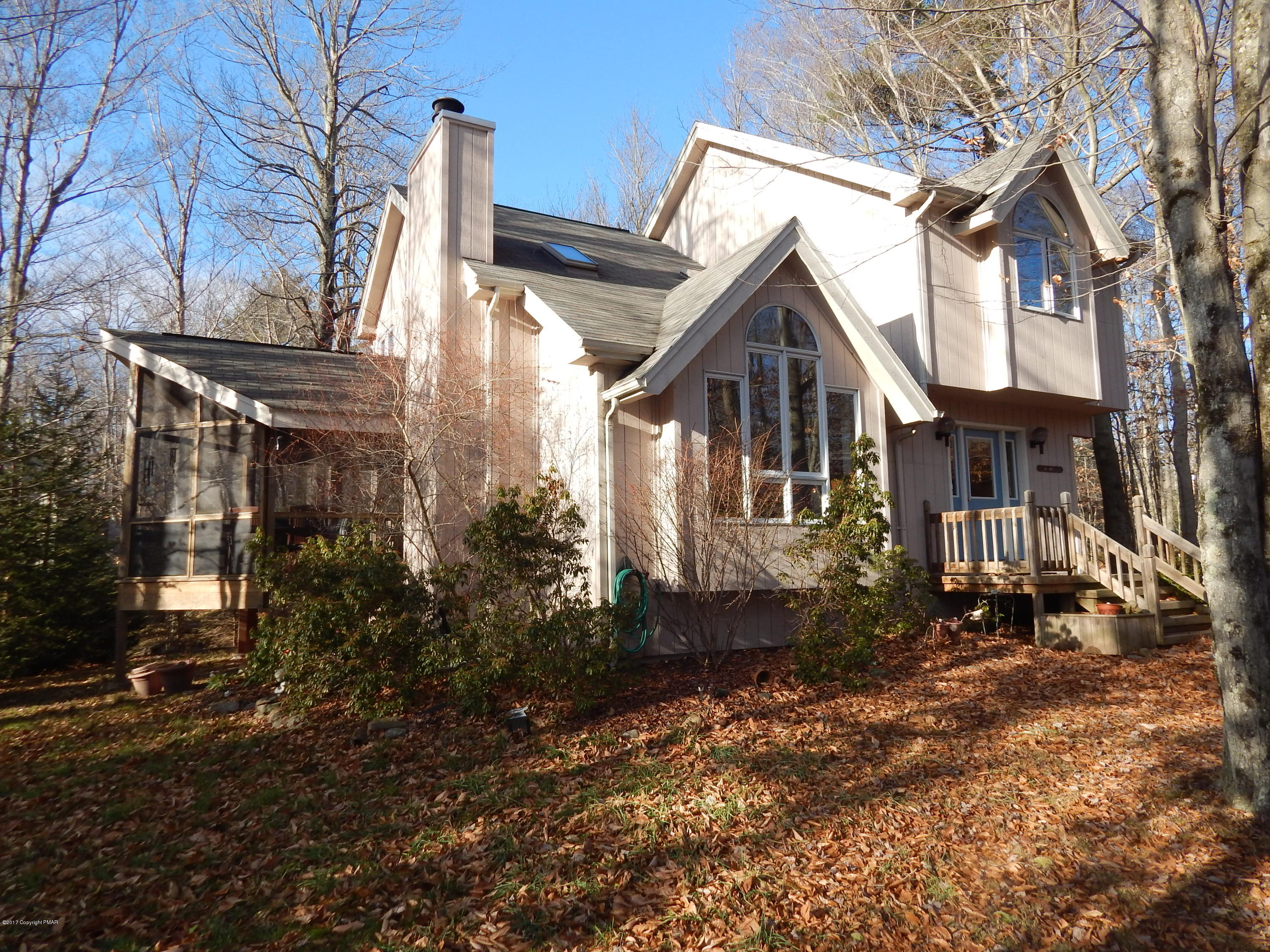 1133 Redwood Ter, Pocono Pines, PA 18350