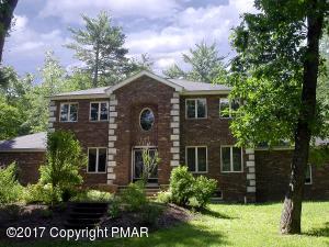 3027 Hemlock Rd, Stroudsburg, PA 18360