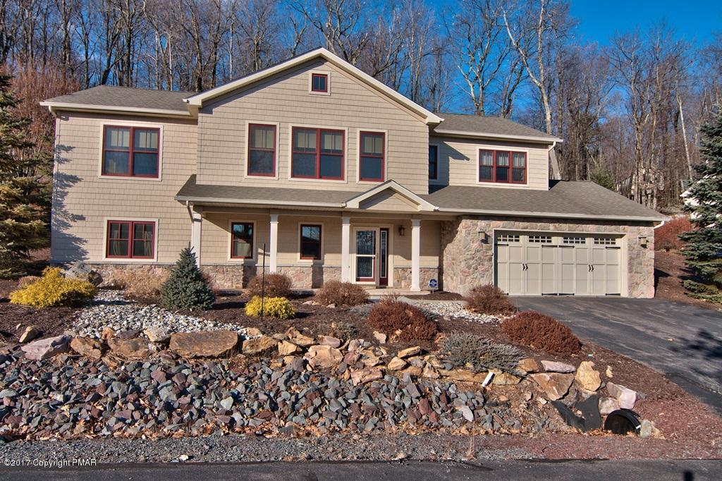 20 Bluestone Ct, Lake Harmony, PA 18624