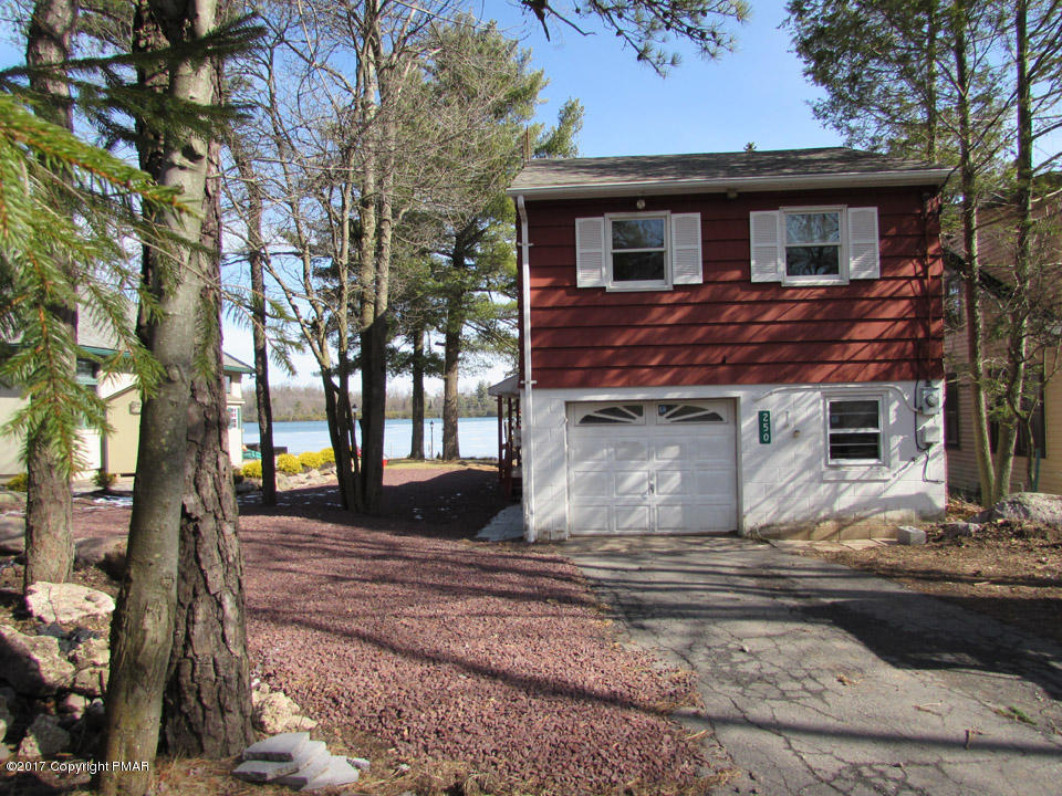 250 S Lake (lakefront) Dr, Lake Harmony, PA 18624
