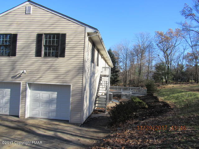 6505 Laurelwood Rd, Swiftwater, PA 18370