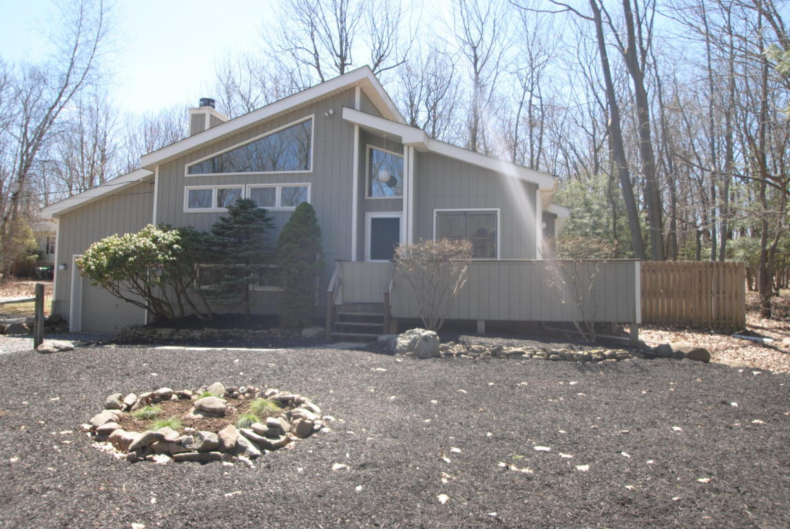 112 Sycamore Ln, Long Pond, PA 18334