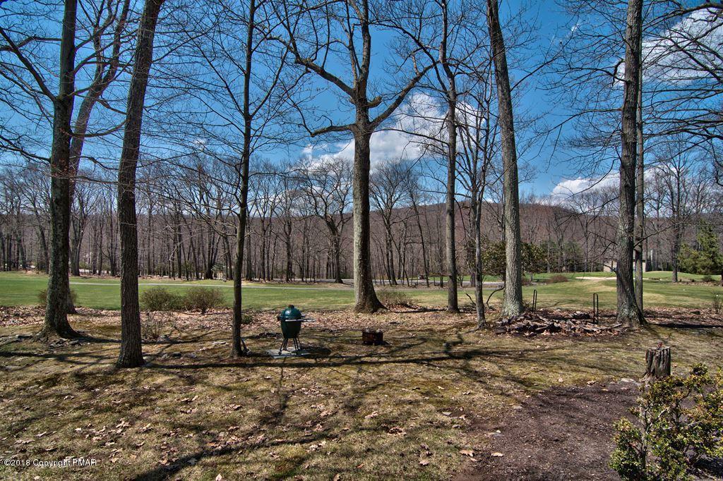 102 Fox Run, Buck Hill Falls, PA 18323