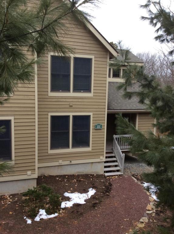 155 Pine Ct, Tannersville, PA 18372