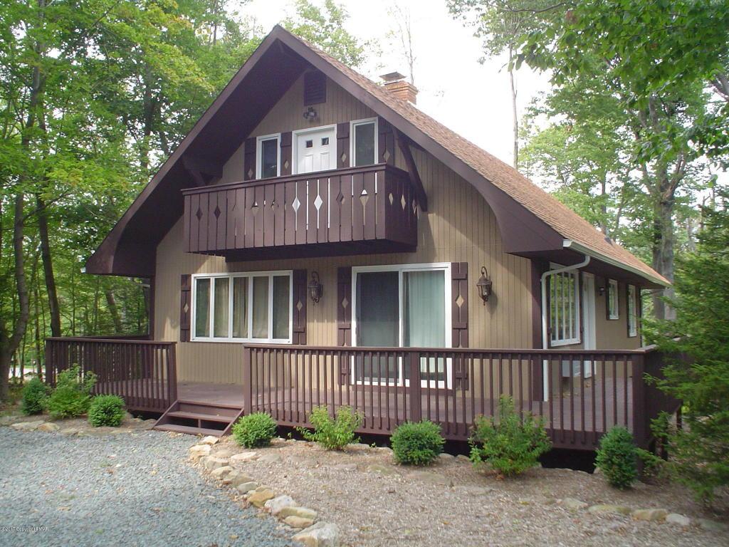 3604 Cedar Ln, Tobyhanna, PA 18466