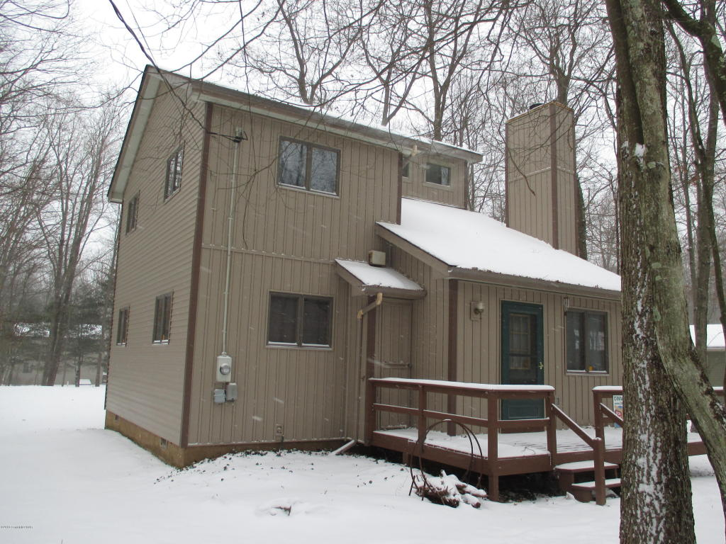 267 Towamensing Trail, Albrightsville, PA 18210