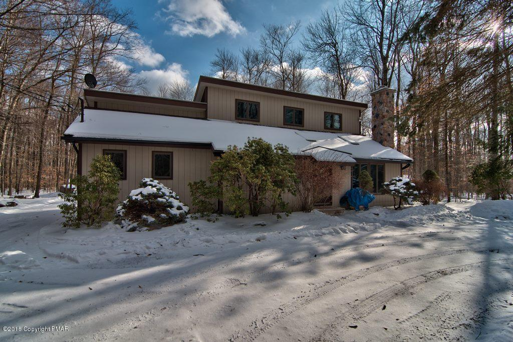 211 Daveys Way, Pocono Pines, PA 18350