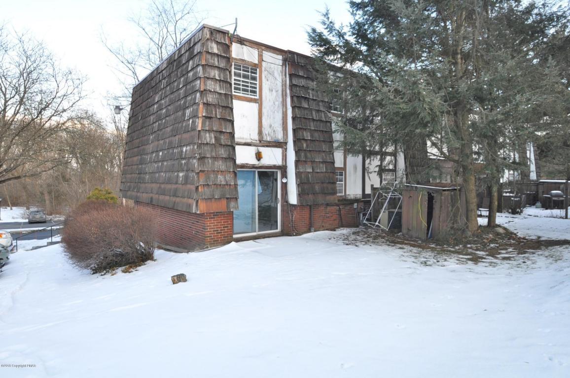 9 Spring Ln, East Stroudsburg, PA 18301