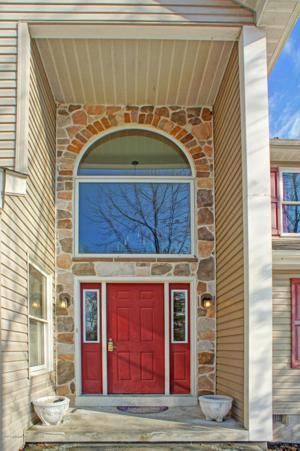 3465 Crestwood Dr, East Stroudsburg, PA 18301