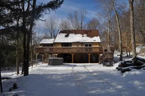 416 Spring St, Lake Harmony, PA 18624