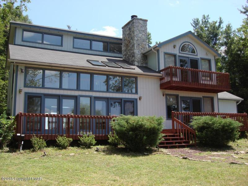 118 Lidio Rd, Pocono Lake, PA 18347