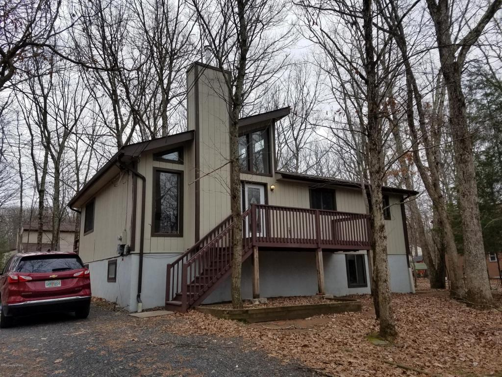4257 Woodacres Drive, East Stroudsburg, PA 18301