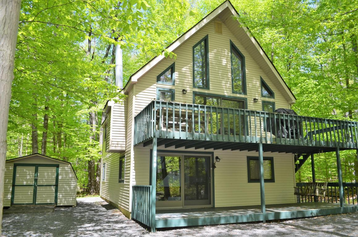 229 Wyomissing Dr, Pocono Lake, PA 18347
