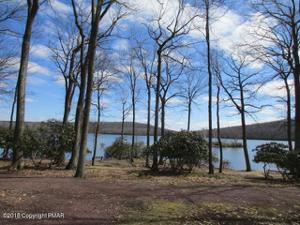 15 Midlake Drive, Lake Harmony, PA 18624