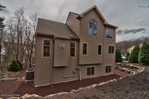134 Longview Dr, Lake Harmony, PA 18624