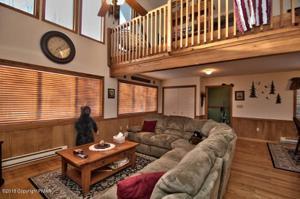 78 Whitman Ln, Albrightsville, PA 18210