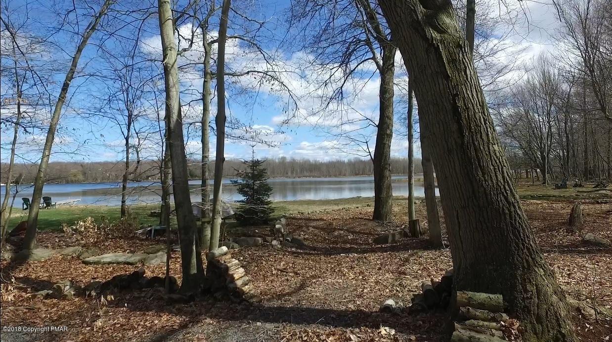 210 Selig Rd, Pocono Lake, PA 18347