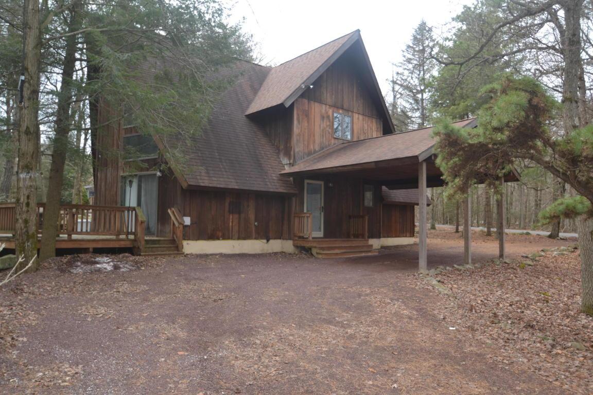 31 Boulder Rd, Lake Harmony, PA 18624
