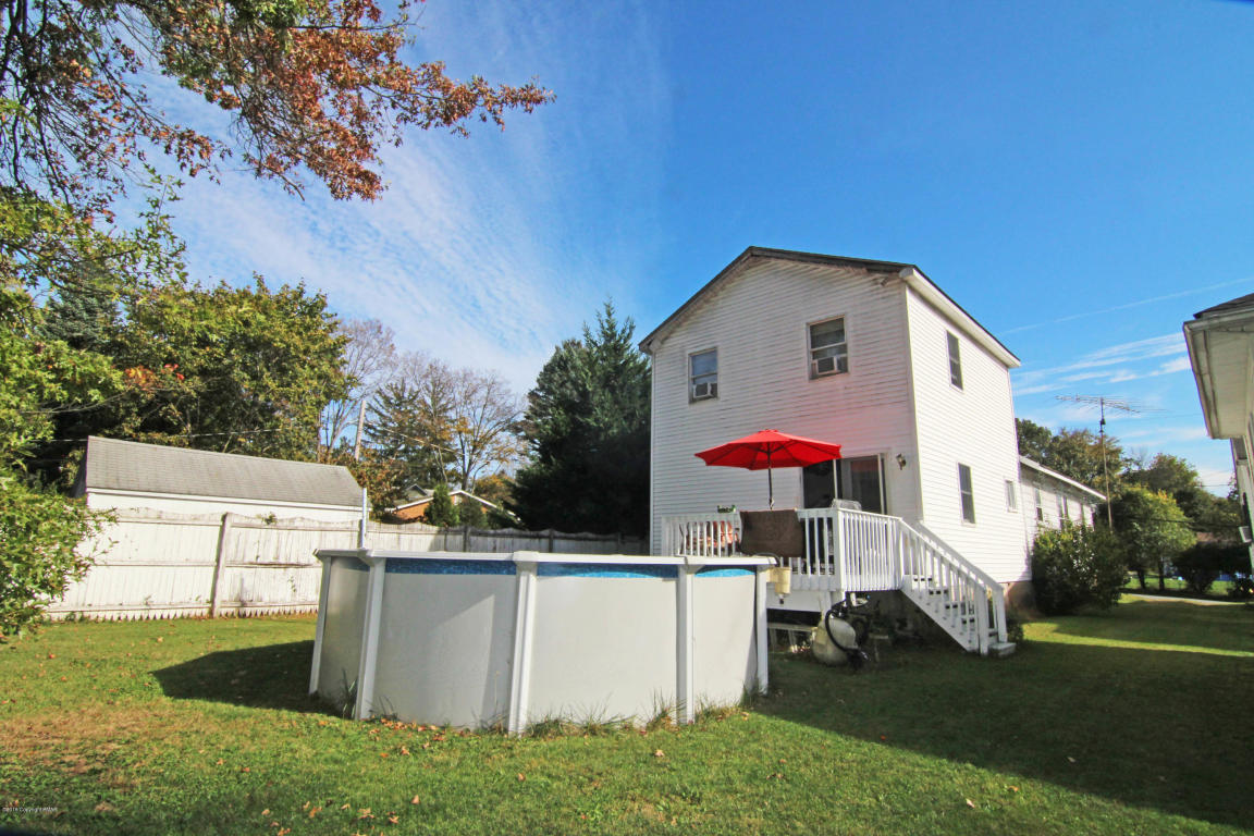 424 Shook Ave, Stroudsburg, PA 18360