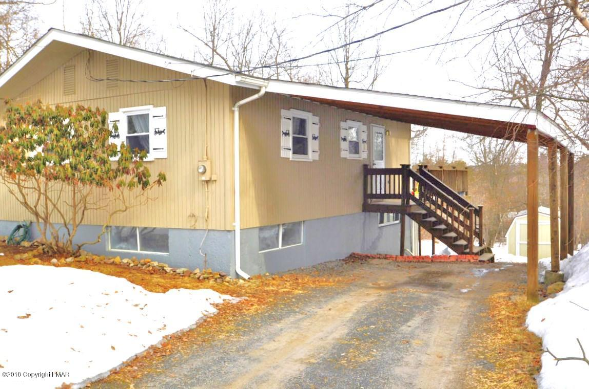 1065 Clover Rd, Long Pond, PA 18334