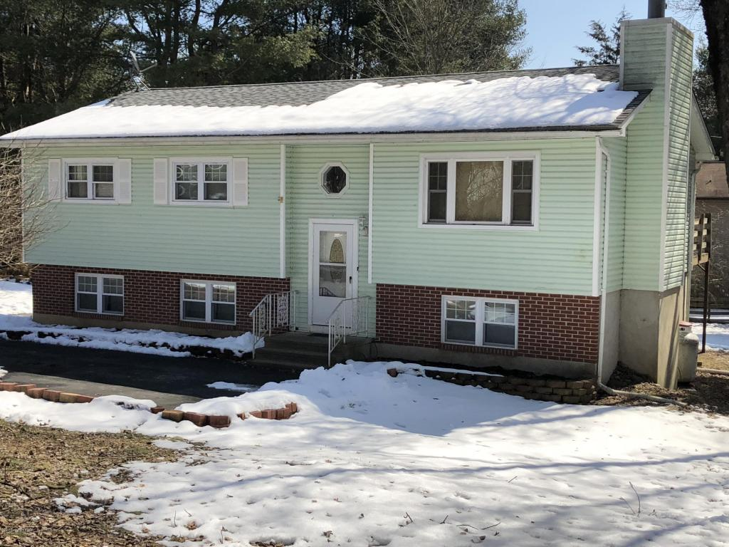 2228 Clearview Dr, East Stroudsburg, PA 18302