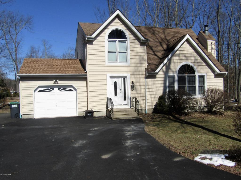 267 Spicebush Drive, East Stroudsburg, PA 18301