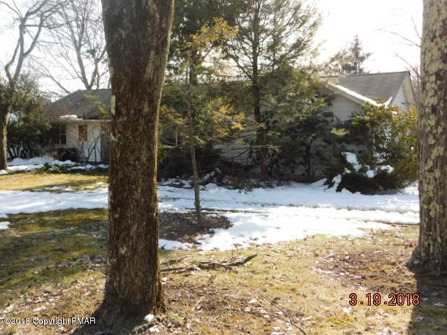 606 Rinker Rd, Stroudsburg, PA 18360