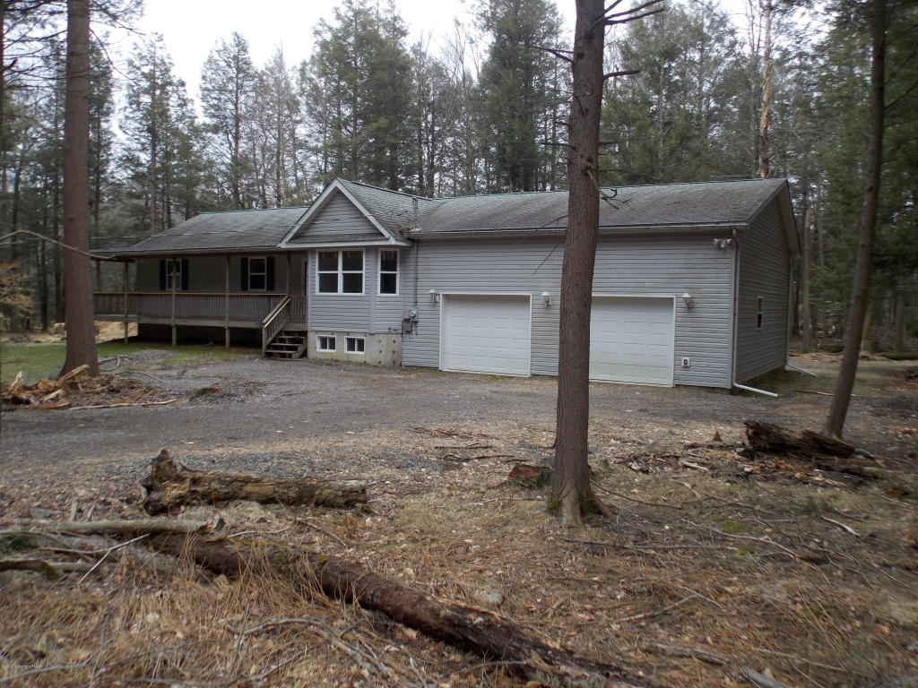 57 Wychewood Rd, Albrightsville, PA 18210