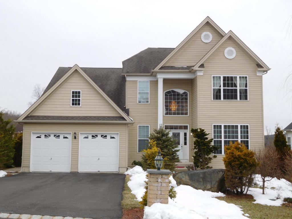 3210 Pine Valley Way, East Stroudsburg, PA 18302