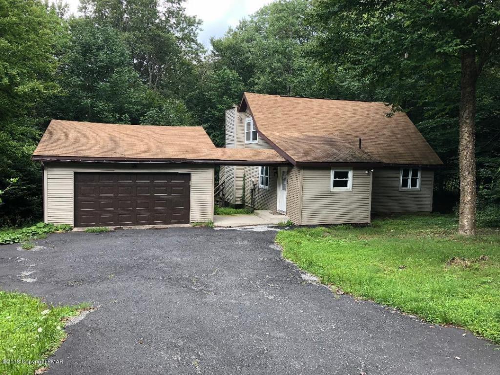 3616 Cedar Ln, Tobyhanna, PA 18466