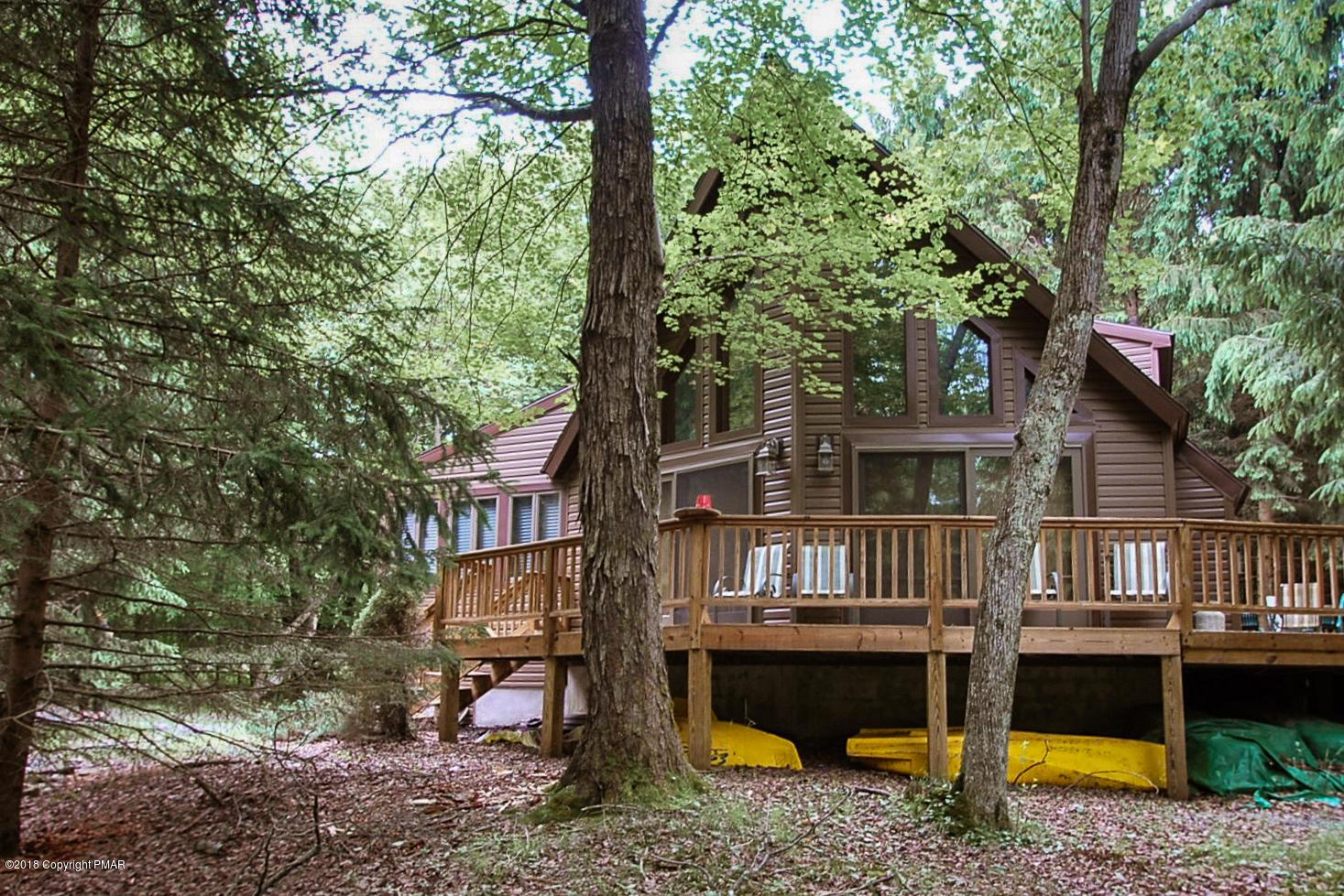 1217 Kinta Cir, Pocono Lake, PA 18347