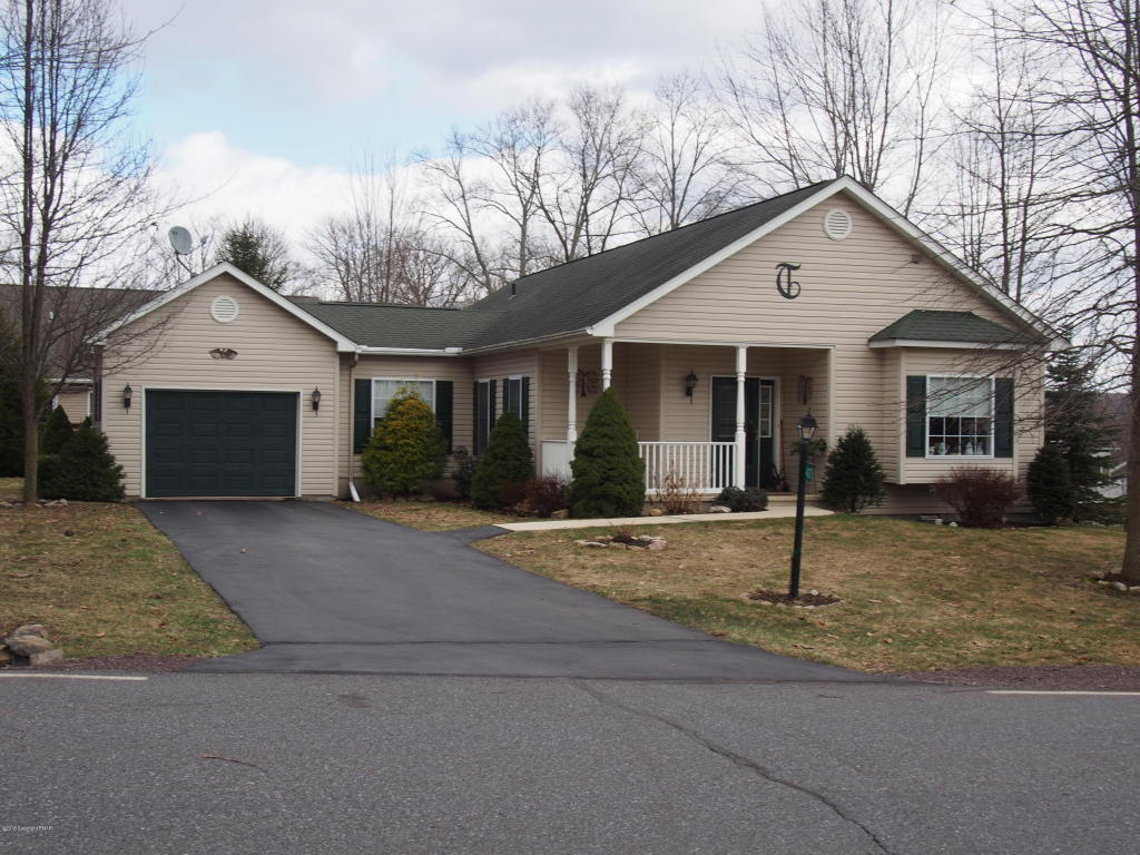 407 Pin Oak Drive, White Haven, PA 18661
