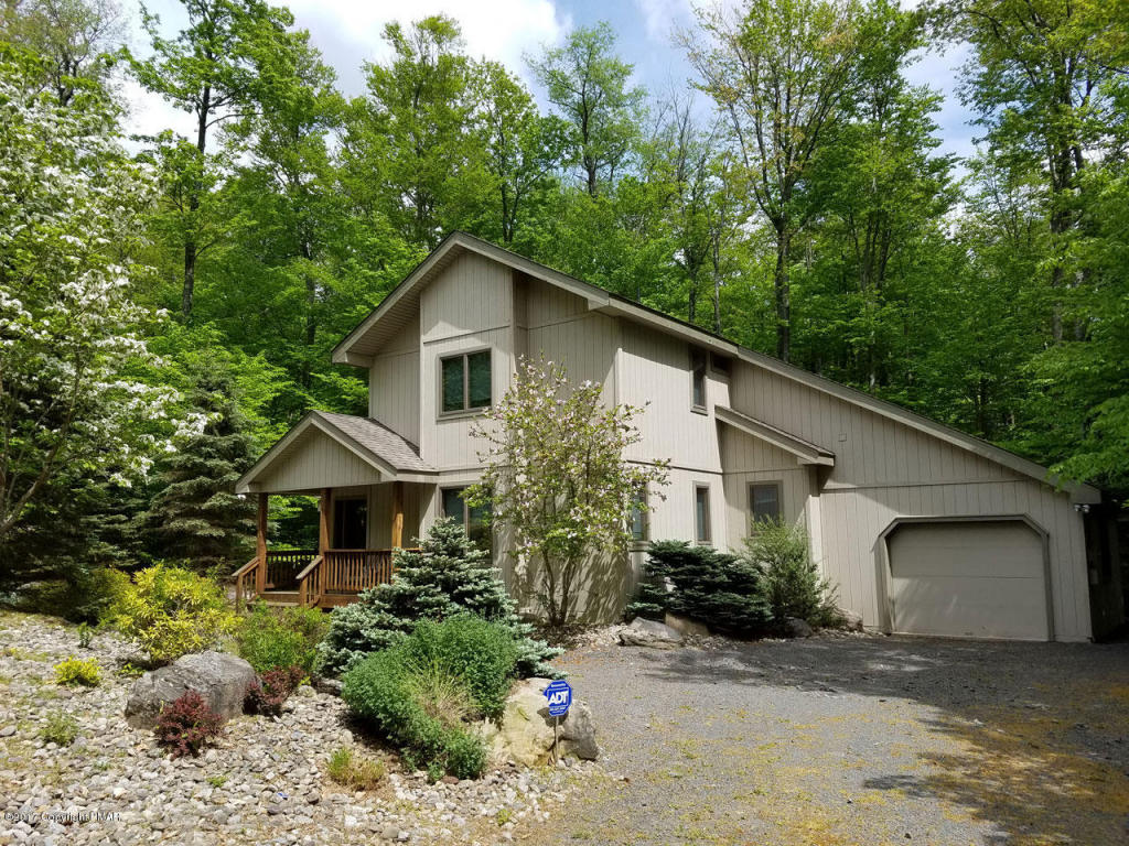 1210 Redwood Terrace, Pocono Pines, PA 18350