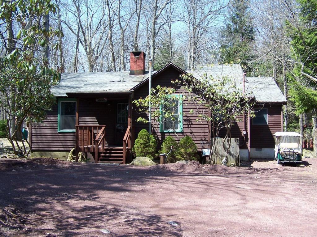 12 Greenwood Rd, Lake Harmony, PA 18624